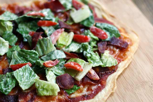BLT pizza: If you like the sandwich, you have to try this pizza version!