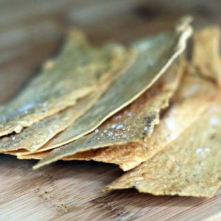 Homemade crackers recipe: Ridiculously cheap (50 cents for a huge batch!), rustic, and totally delicious. You've gotta give these a try!