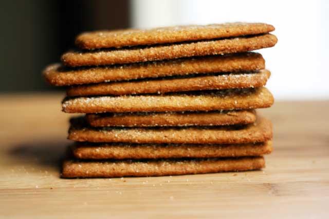 Homemade graham crackers recipe, from Cheap Recipe Blog