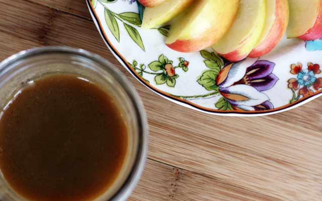 Basic caramel sauce: Make your own at home in just a few minutes.