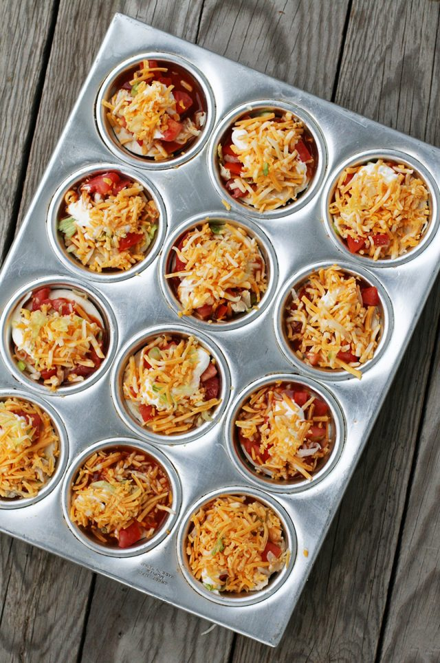 How to make mini enchilada stacks: Click through for this cheap recipe!