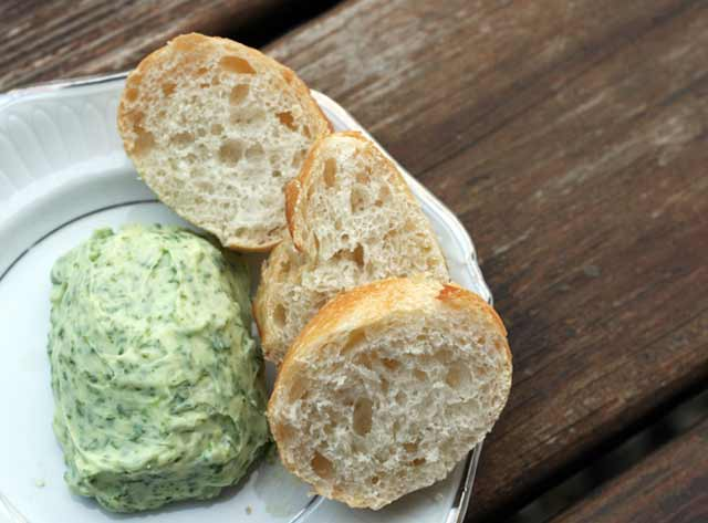Herb butter recipe: Serve with baguette, on grilled chicken, grilled sweet corn. Click through for recipe.