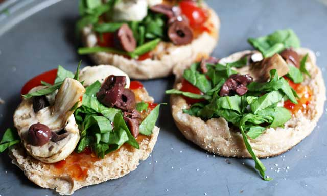 English muffin pizza recipe