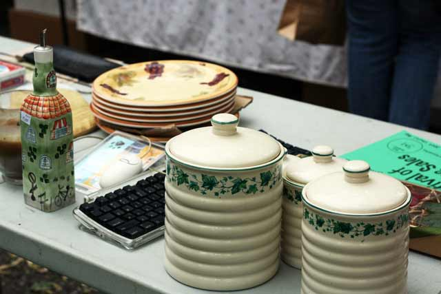 Tips for getting the best stuff at yard sales