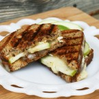 Granny Smith grilled cheese with caramelized onions: Great flavors in an easy-to-make sandwich.