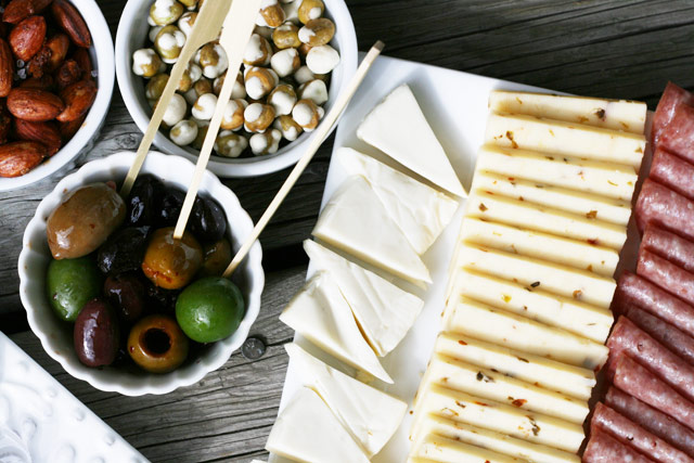 Cheap appetizers for a party - The $10 Appetizer Spread. ALL this food (and more) for about $10. REPIN to save!
