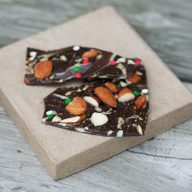 Andes Mint bark recipe. Couldn't be easier to make. Less than 10 minutes. Click through for recipe!