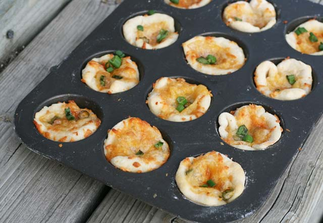 Mini pizza bites: Just 8 cents each! Click through for recipe details.