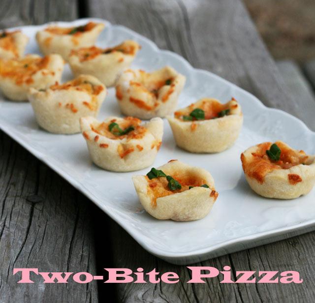 Mini pizza bites, made in a mini muffin tin. Repin to save!