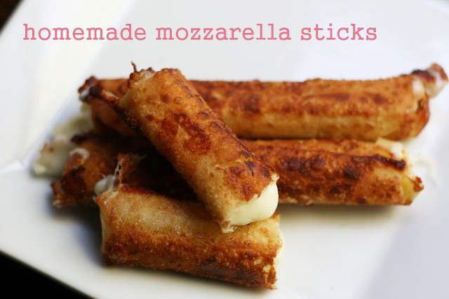 Wonton wrapper mozzarella sticks recipe. Two ingredients and 5 minutes is all it takes!