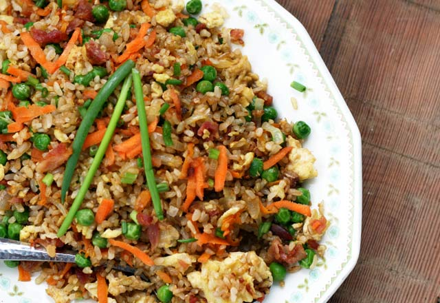 Bacon fried rice: Delicious fried rice with bacon and eggs. An easy intro fried rice recipe!