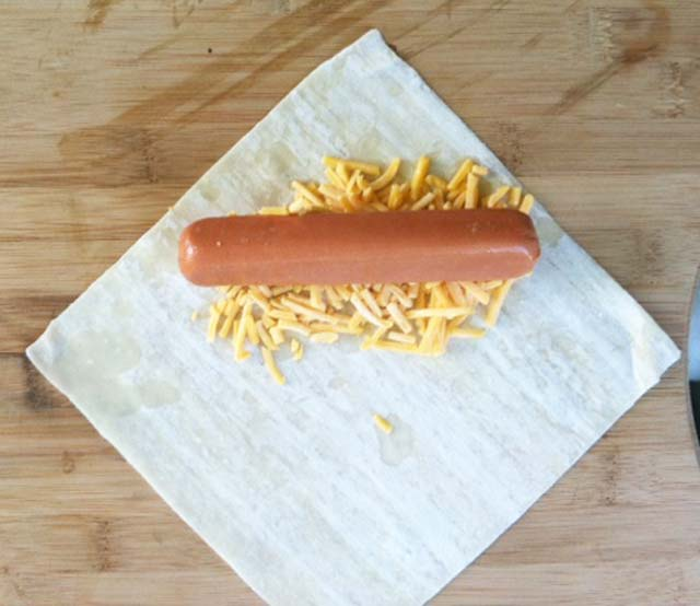 How to make a hot dog wonton