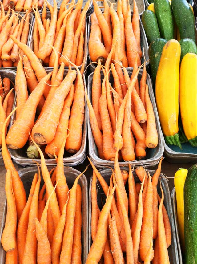 Fresh carrots from the farmers' market