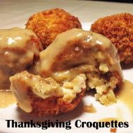 Thanksgiving croquettes: Perhaps the most delicious way to eat leftover Thanksgiving foods! Click through for recipe!