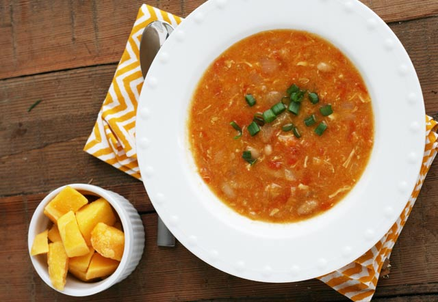 Mango habanero chicken chili recipe: A spicy soup that will warm you from the inside out. Repin to save.