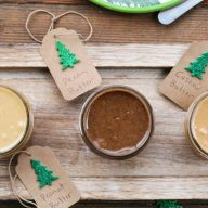 3 homemade nut butter recipes: Peanut, Pecan, and Cashew. Makes a great gift! Repin to save.