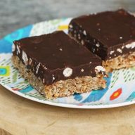 Million dollar bars - with chocolate, oats, butterscotch, and peanut butter. Repin to save!