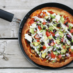 Vegetarian Taco Pizza. OH MY GOODNESS this was good. Repin to save!