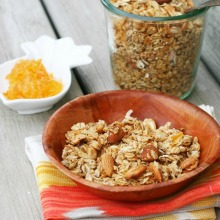 Orange marmalade granola recipe. Cheap and easy to make! Repin to save.