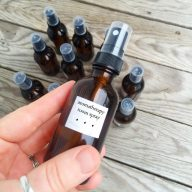 DIY Aromatherapy room spray (made with perfume samples!) Click through for instructions.