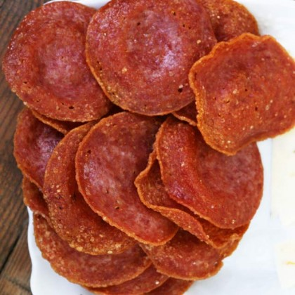 Instructions for making homemade salami crackers. A great low-carb substitute for traditional crackers.