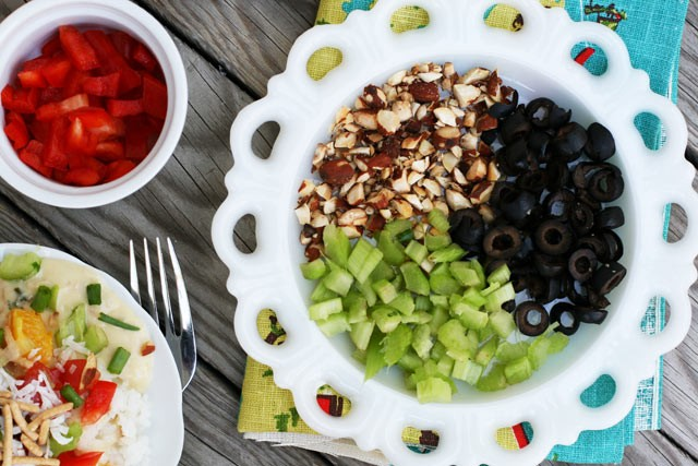 How to make Hawaiian haystacks. The more toppings, the better! Click through for recipe.