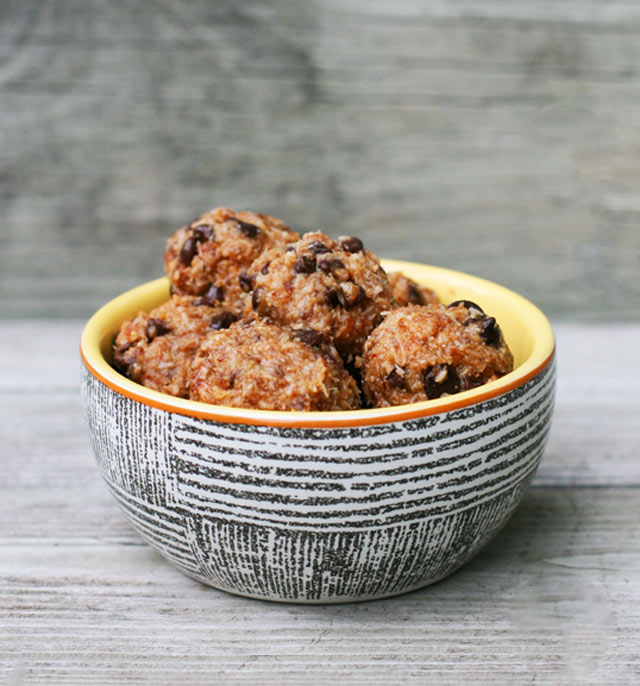 Paleo energy bites: A healthy snack that will keep you satisfied until your next meal!