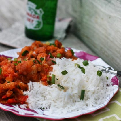 Gobi Manchurian recipe: An Indian-style cauliflower recipe with a spicy, tangy sauce. Click through for recipe!