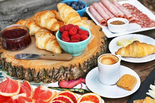 DIY European-style breakfast bar: A simple, budget-friendly breakfast for a group!