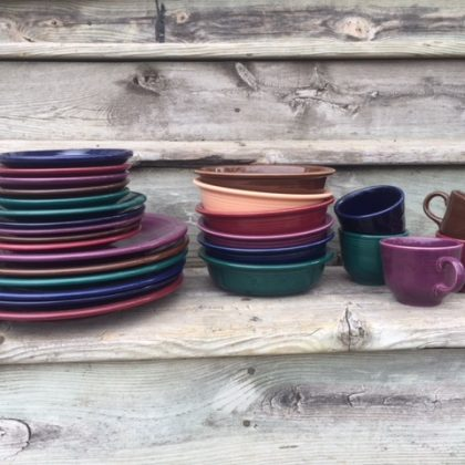 Selling Fiestaware online: Click through to learn how I sell unwanted stuff online!