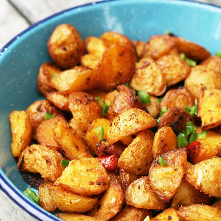 Extra crispy, oven-roasted breakfast potatoes: Click through for secret and easy technique!
