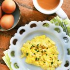 cooking perfect scrambled eggs - 735×982