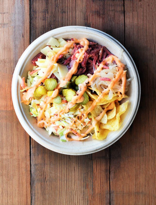 Reuben bowls: All the flavor of a reuben sandwich, without the bread! Click through for recipe!