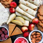 A collection of Scandinavian snacks, perfect for entertaining! Click through for recipe and ideas.