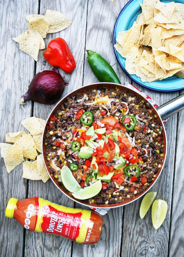 Mexican ground beef skillet: A 20-minute dinner (or game-day appetizer) that's super quick to make and flavorful!