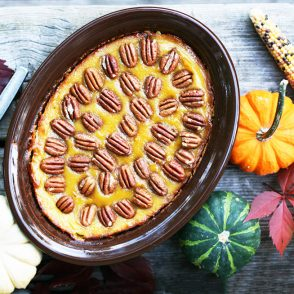 Bourbon-pecan acorn squash: This Thanksgiving side dish recipe has FLAVOR! Click through for cheap recipe idea.