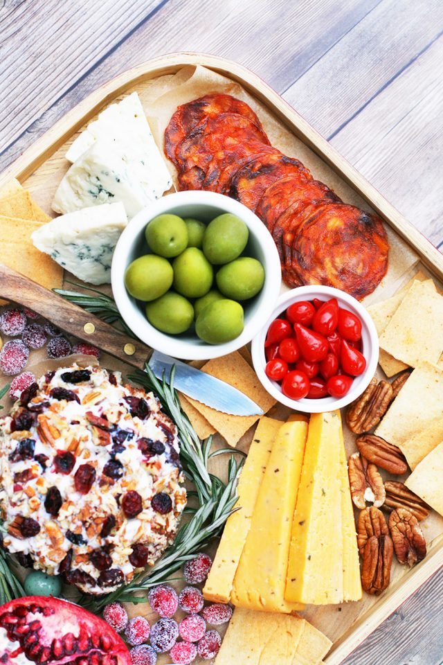Holiday grazing board: Assemble a Christmas-themed snack board for your holiday party!