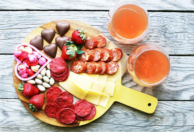How to assemble a Valentine's Day snack board for two people. Click through for instructions!