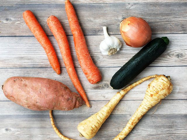 Got lots of veggies to use up? Make a creamy, paleo-friendly soup. Click through for recipe.