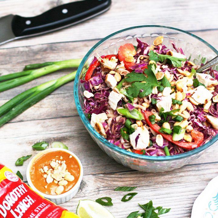 Peanut ramen salad with a homemade peanut sauce. Click through for recipe!