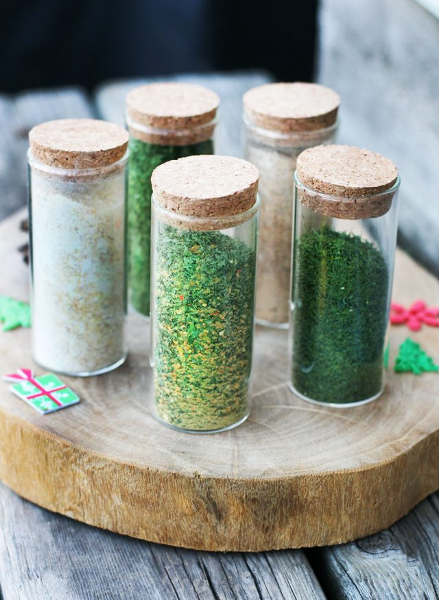 DIY dried herbs and spices, made using a dehydrator. Makes a great homemade holiday gift! Click through for instructions.