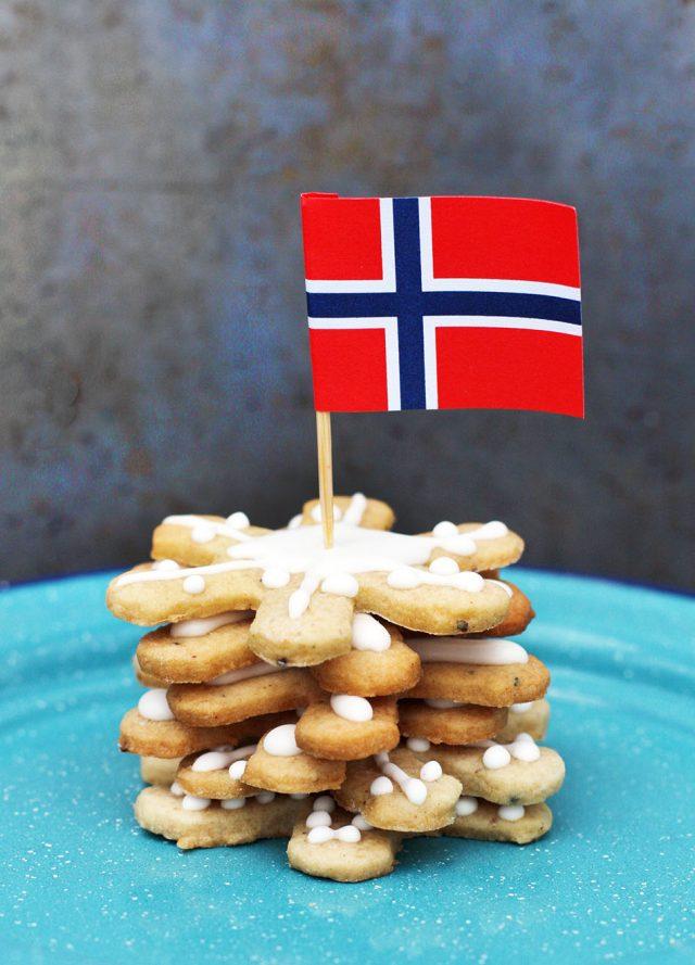 Norwegian pepperkaker cookies: Try this spicy, gingery Christmas cookie!