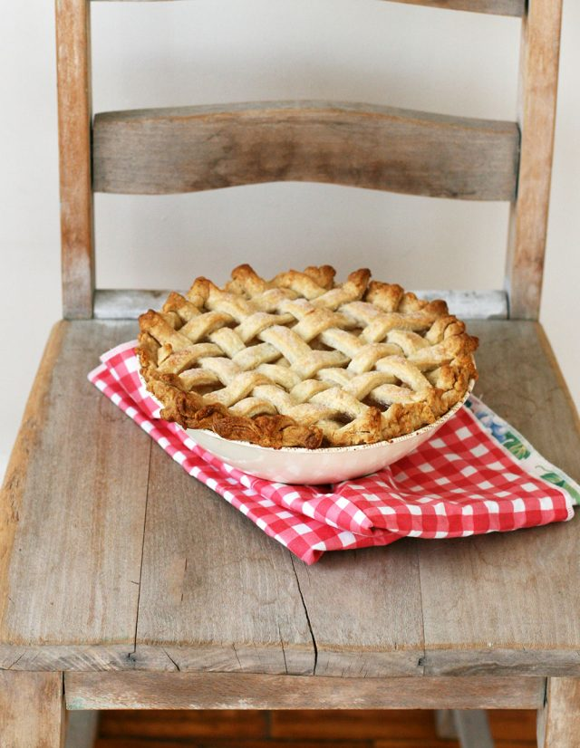 Pie in a bowl: The perfect food gift! Make a pie in an ovenproof bowl and give it away as a gift.