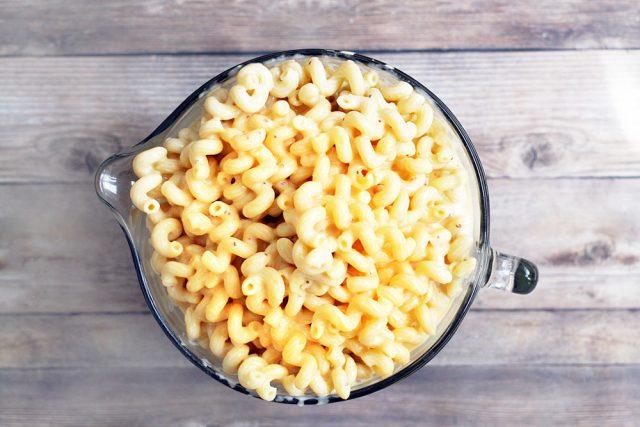 Big batch mac & cheese recipe: If you're going to make it, make a big batch!