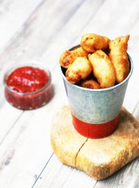 Learn how to make homemade deep-fried cheese curds: Click through for recipe!