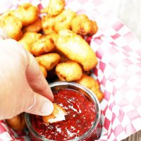 Learn how to make fried cheese curds from fresh cheese curds from Wisconsin! Click through for recipe.